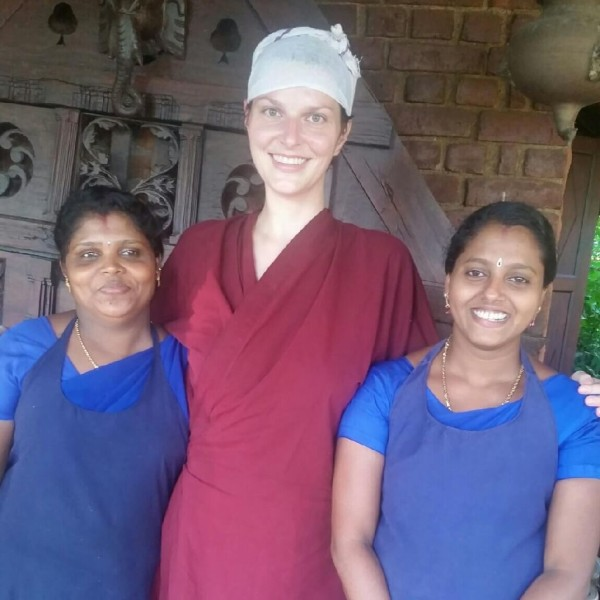 Ayurvedakur in Kerala - So sehe ich nach den Behandlungen aus. Lustig oder?