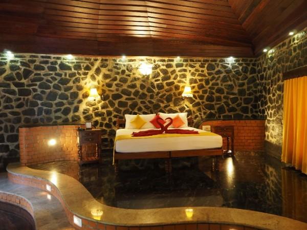 Ayurvedakur in Kerala - Auch wunderschöne Suiten gibt es im Somatheeram.