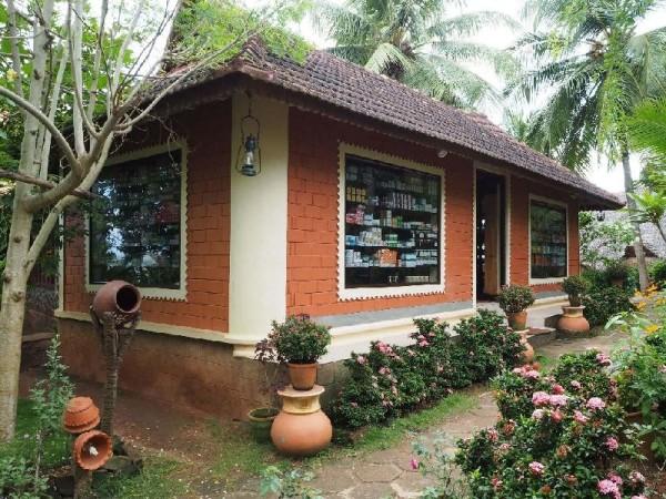 Ayurvedakur in Kerala - Mein Koffer war bei der Rückreise zur Hälfte mit ayurvedischer Medizin bepackt :).