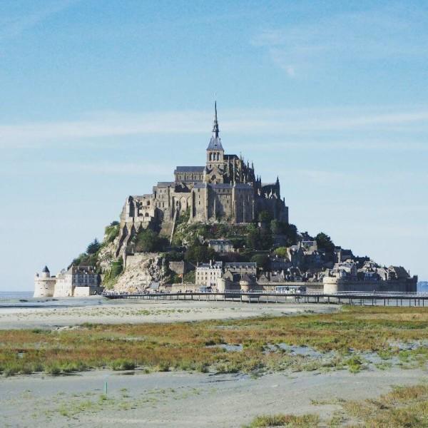 Noch ist Ebbe am Mont-Saint-Michel.