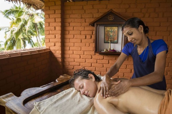 © Somatheeram Ayurvedic Health Resort: General Massage