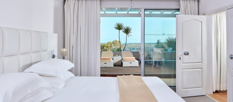 Grecian Park Hotel Schlafzimmer mit Ausblick