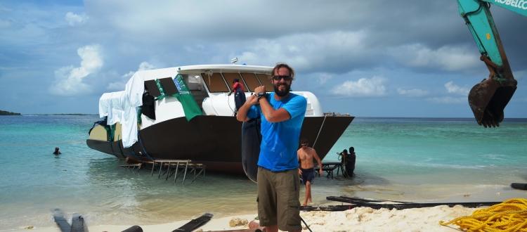 Reisen und Arbeiten: Tobi arbeitet auf den Malediven