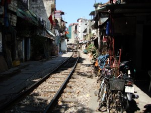 Eisenbahnstrecke durch Hanoi