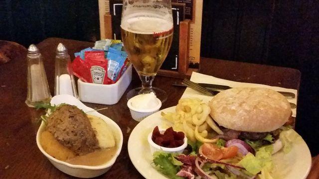 Essen im White Hart Inn
