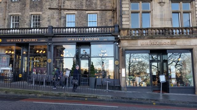 Whiskis Rooms in Edinburgh