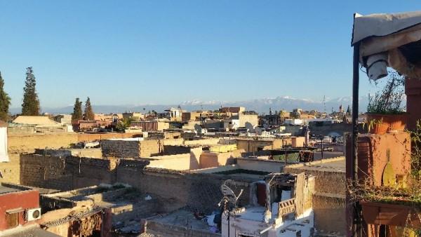 Blick auf das Atlas Gebirge in Marrakesch
