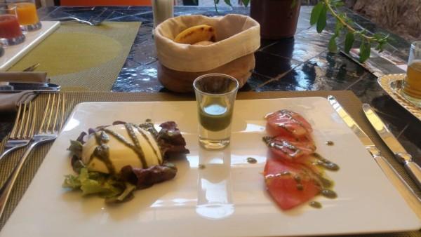 Mozzarella und Tomate im Latitude 31