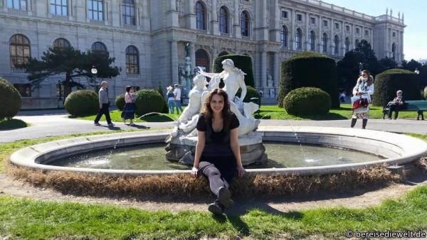 Meine Wenigkeit vor dem Kunsthistorischen Museum in Wien