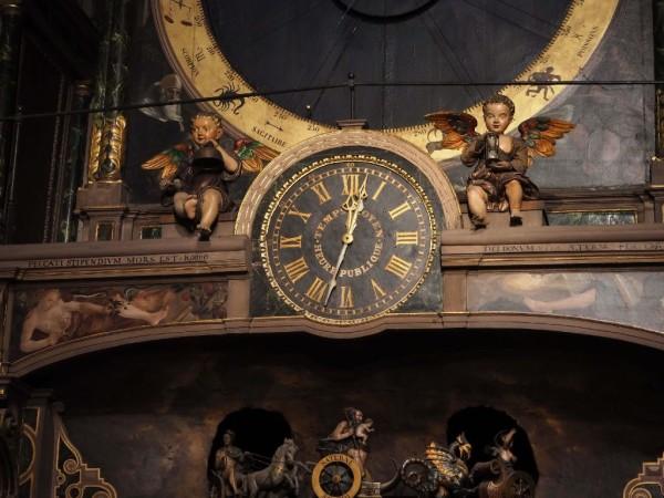 Astronomische Uhr im Straßburger Münster Engel