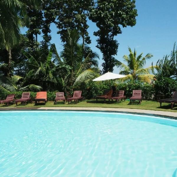 Ayurvedakur in Kerala - Pool im Somatheeram Ayurvedic Health Resort