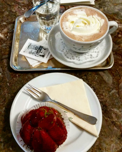 Sehenswürdigkeiten in Salzburg_Café Tomaselli Kuchen