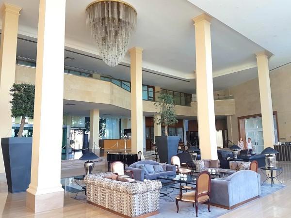 Grecian Park Hotel Foyer