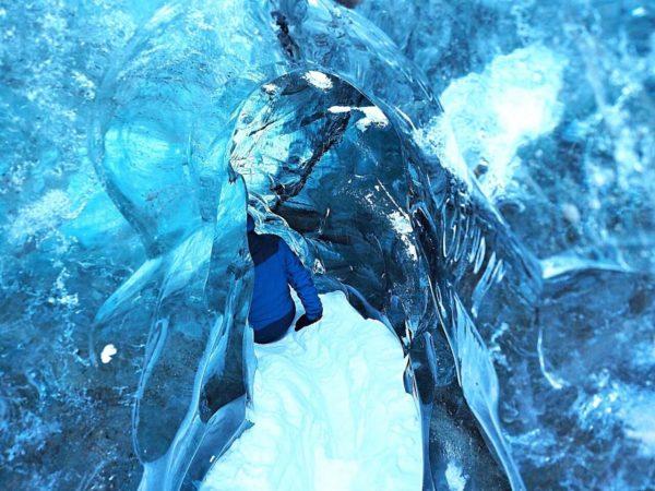 Ice Explorers Eishöhle Island Gletscherspalte