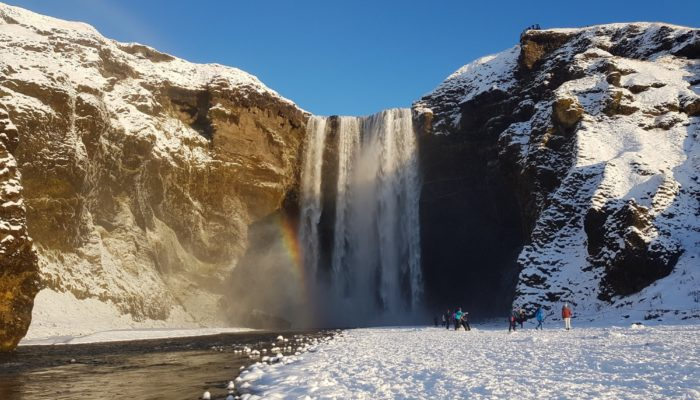 Island Roadtrip im Winter Skogafoss