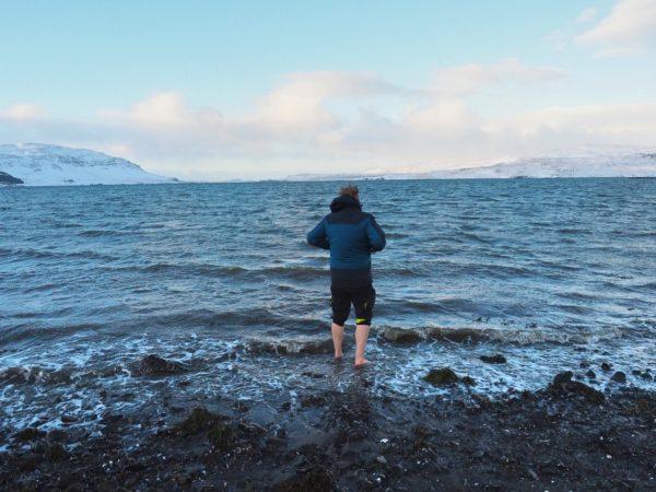 Island Roadtrip im Winter Snæfellsnes Baden im Polarmeer