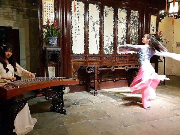 China-Suzhou-Garten-des-Meisters-der-Netze-Abendprogramm
