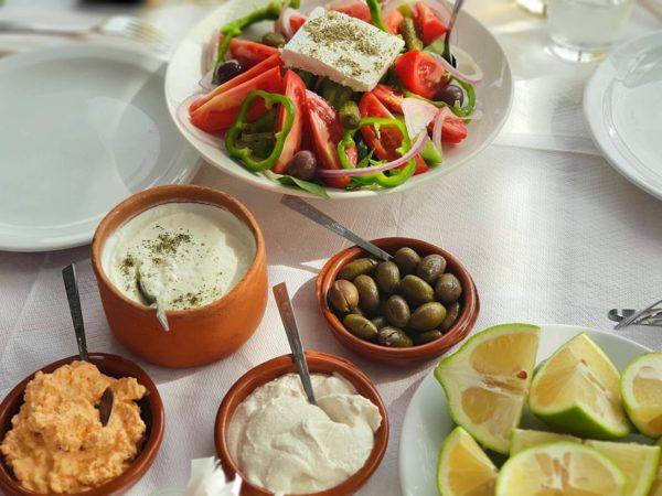 Zypern Nikosia Taverna Erythrodontas Mezze