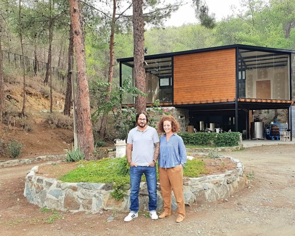 Zypern Nikosia Troodos-Gebirge Anama Concept Wein Lefteris und Christina