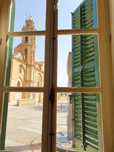 Zypern Nikosia Kaimakli Blick auf Kirche