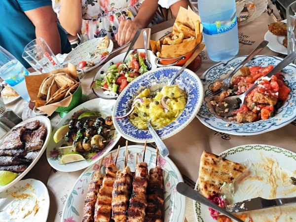 Zypern Nikosia Restaurant Valtou Rigani Traditionelle Mezze